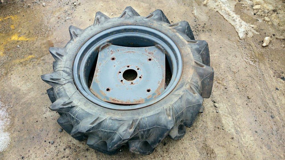 トラクター タイヤ 8.3/8-22 4PLY ブリヂストン 1本 ホイール付 単品 中古