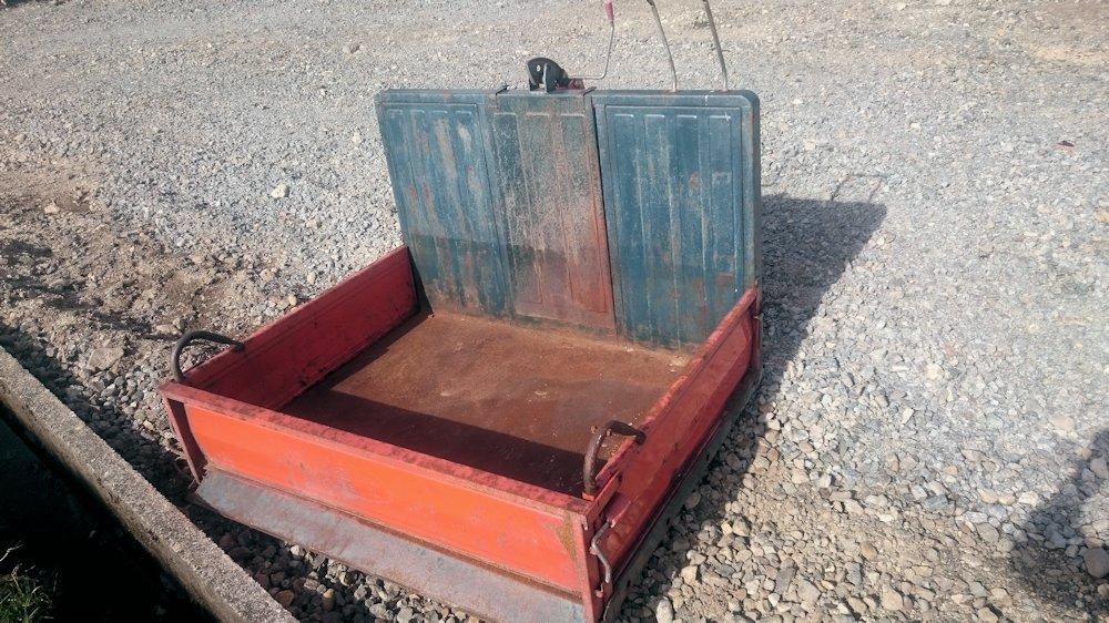 富士トレーラー 整地キャリアダンプ 運搬車 除雪も可能で万能 中古