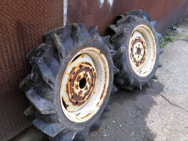 トラクター用 ブリヂストン 後輪タイヤ 8.3/8-22 4PLY ホイール付 ヒビ割れ無し 状態良好 中古