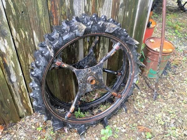 三菱 田植機タイヤ ブリジストン 後輪 タイヤサイズ 870×180/60-27 中古
