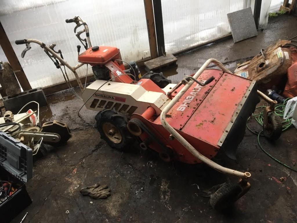 お待ちかねのハンマーナイフモア 草刈機 中古 FE751入荷しました。