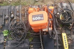 日立(ヒタチ) モートル 電気チェーンブロック ホイスト (1/2s2) トロリー (1/2ET2) 500kg